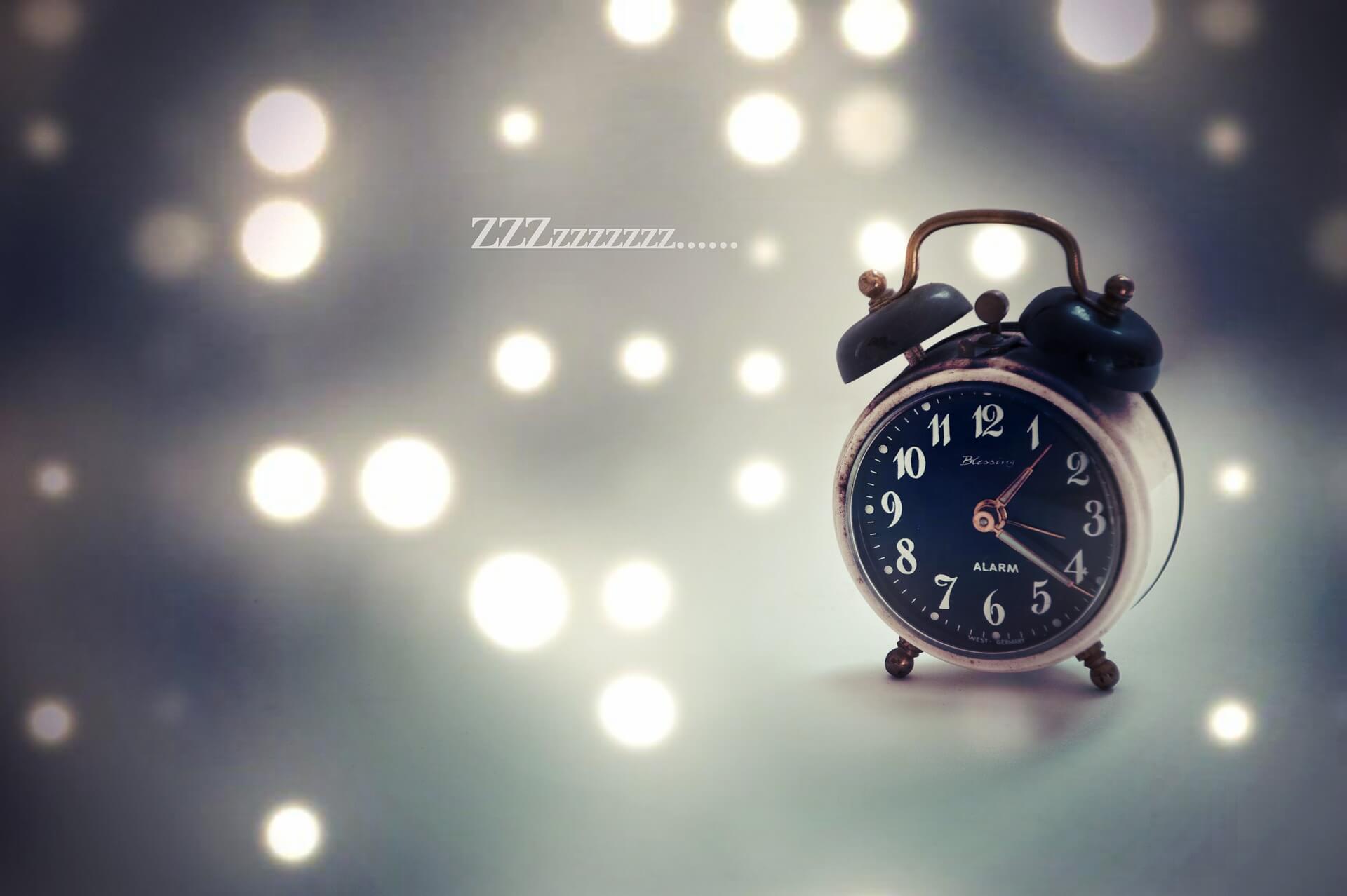 טבלת שעות שינה מומלצות לפי גיל